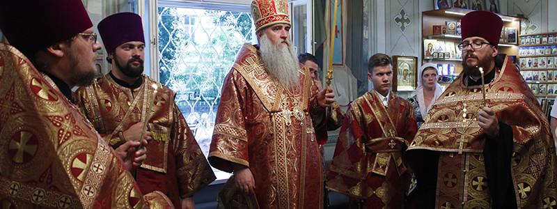 Всенощное бдение в храме святого великомученика и целителя Пантелеимона