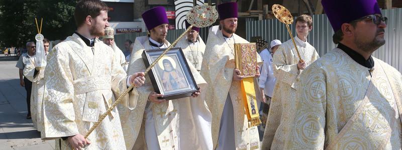 Божественная литургия в храме во имя святителя Митрофана Воронежского