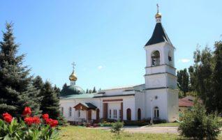 Клирик благочиния стал победителем олимпиады по литургике