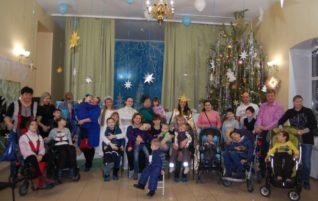 В «Колоске» прошел рождественский праздник для детей с особенностями развития