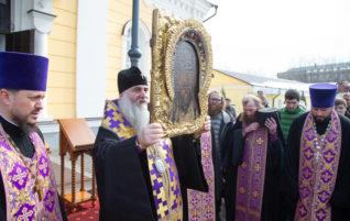 Прихожане храмов Саратовской епархии призываются к усиленной молитве