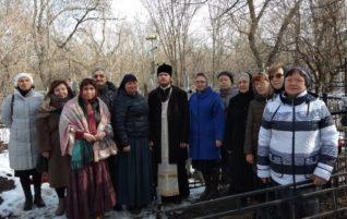 Клирик благочиния совершил панихиду на могиле диакона Саввы Иванова