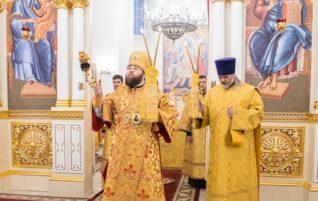 Митрополит Игнатий совершил Божественную литургию в храме святителя Спиридона Тримифунтского