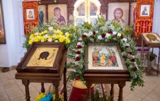 Митрополит Игнатий совершил Божественную литургию в храме Нерукотворного Образа Спасителя г. Саратова