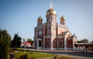 Митрополит Игнатий совершил всенощное бдение в Покровском соборе г. Саратова