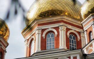 В храмах Саратовской епархии совершены молебны о сохранении творения Божия
